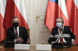 Andrzej Duda a Miloš Zeman po jednání v Praze