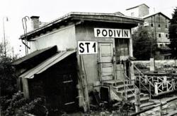 Hradlo v železniční stanici Podivín