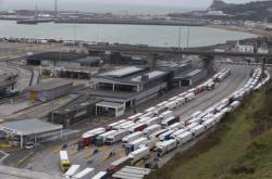 Kamiony v Doveru (26.12.2020)