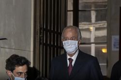 Bývalý francouzský premiér Édouard Balladur dorazil k soudu