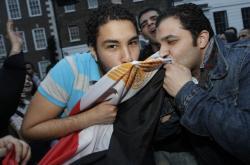 Egypťané slaví Mubarakovu rezignaci 11. února 2011