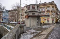 Hradecká radnice hledá firmu,která dodělá opravu secesního kiosku