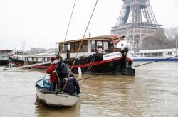 Francii trápí zvýšené hladiny řek Charente, Marna a Seina