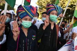 Demonstrace proti puči pokračovaly šestým dnem