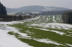Tání sněhu na polích na Prostějovsku
