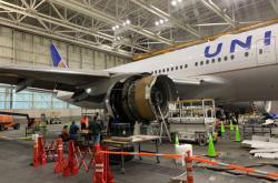 Ohořelý motor Boeingu 777-400, který selhal v Denveru