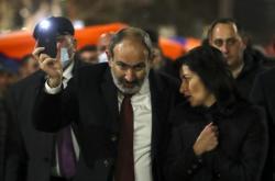 Arménský premiér Nikol Pašinjan mezi svými přiznivci