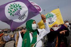 Příznivci strany HDP během oslav svátku Nourúz