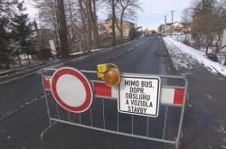 Uzavřená silnice u Stříteže