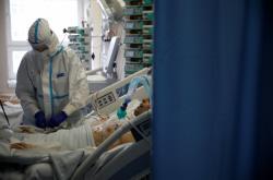 Covidové oddělení v nemocnici v polské Varšavě