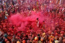 Indie oslavuje příchod jara barevným svátkem Hólí