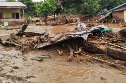 Následky přívalových dešťů v Indonésii