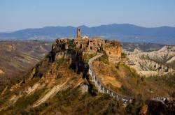 Italské město Civita di Bagnoregio usiluje o zápis na seznam památek UNESCO