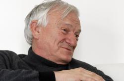 Bývalý generál Jovan Divjak (na fotografii z roku 2011)