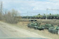 Vojenská kolona u Voroněže nedaleko ukrajinských hranic 6. dubna