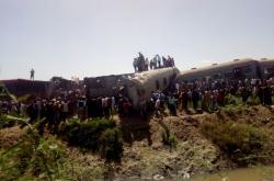 Srážka vlaků v egyptském Suhágu