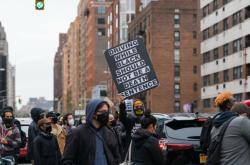Protesty v Minneapolisu kvůli smrti Afroameričana