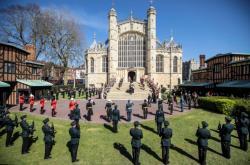 Poslední rozloučení s princem Philipem se konalo na hradě Windsor