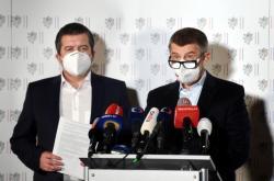Andrej Babiš s Janem Hamáčkem na tiskové konferenci