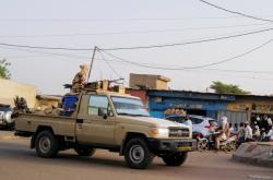 Čadské bezpečnostní síly v ulicích Ndjameny