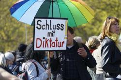 Berlínská demonstrace proti koronavirovým opatřením