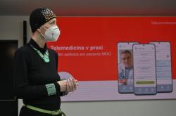 Pacientka Sabina E. vysvětluje přínosy aplikace