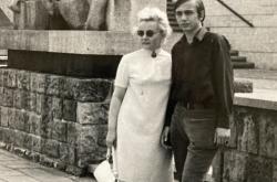 Karel Dostál s maminkou