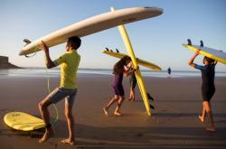 Maročtí surfaři vybudovali školu, kde učí děti mimo sportu svobodnému přístupu k životu