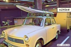 Výroba trabantů skončila před 30 lety, přesto jich v Německu jezdí víc než vozů Tesla