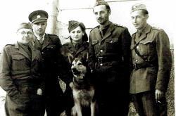 Božena Ivanová ve výcvikové jednotce na Slovensku (1945)