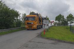 Kamion na silnici ve Frýdku-Místku