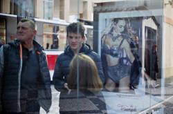 Reklamní plocha JCDecaux na pražské zastávce