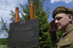 Odhalení pamětní desky Josefa Balabána v Dobříši