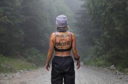 Dlouhodobé spory o těžbu dřeva v kanadském pralesu v povodí Fairy Creek přerostly v zatýkání aktivistů