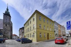 Opravené historické domy v ulici U Mincovny