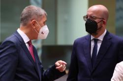 Český premiér Babiš a předseda Evropské rady Michel na summitu