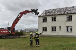 Demolice zdravotního střediska v Lužicích
