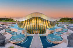 V Dubaji otevřeli nejhlubší bazén na světě. Hluboký je šedesát metrů