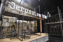 Výroba scény muzikálu Jesus Christ Superstar v lockdownu
