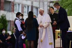 Papež František při návštěvě sídliště Luník IX