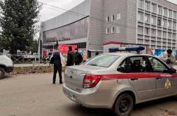 Ruská národní garda na místě střelby