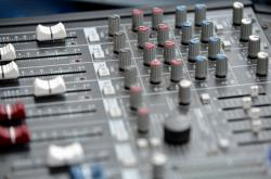 Mixážní pult - ilustrační snímek