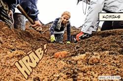 Vědci odkryli pod Řípem další mohly
