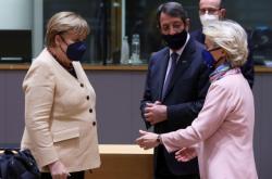 Lídry zemí EU čeká na summitu debata o cenách energií