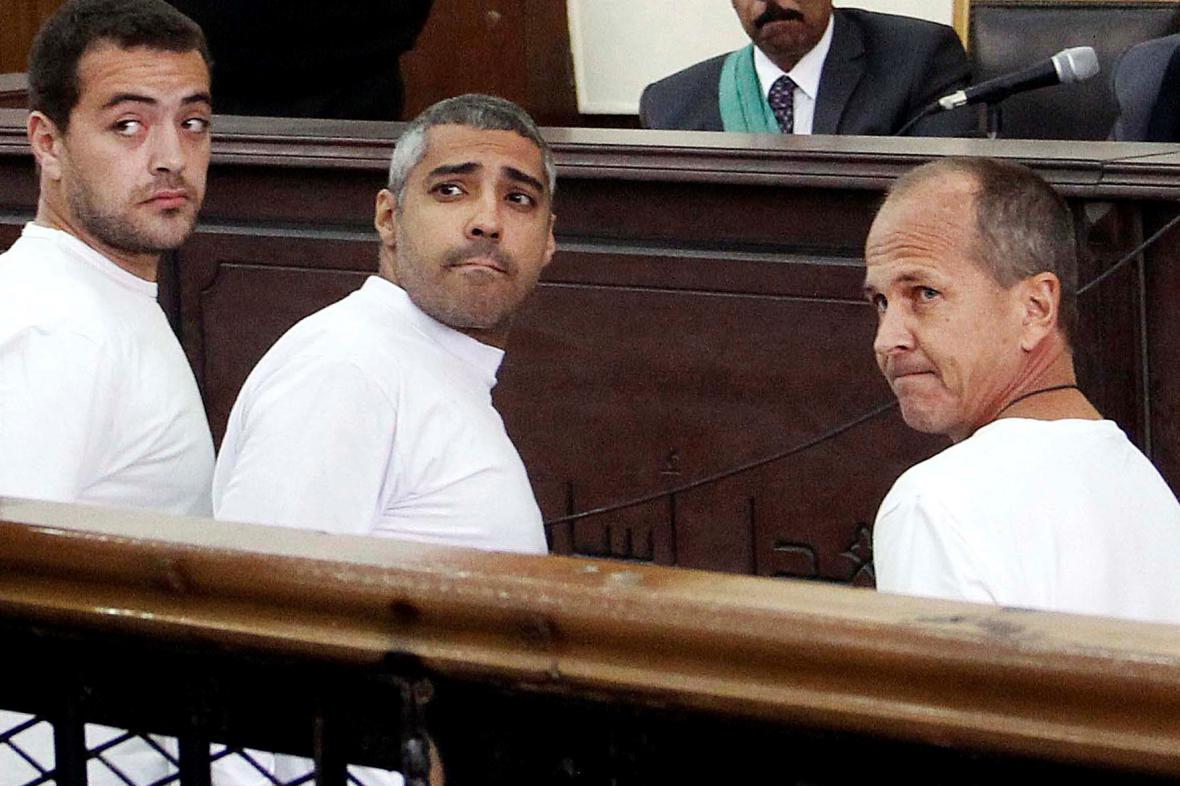 Zleva Báhir Muhammad, Mohamed Fahmy a Peter Greste