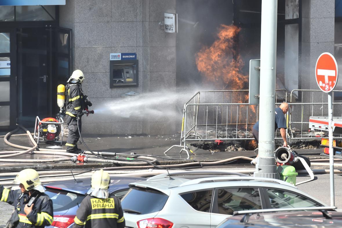Požár plynu v pražských Dejvicích