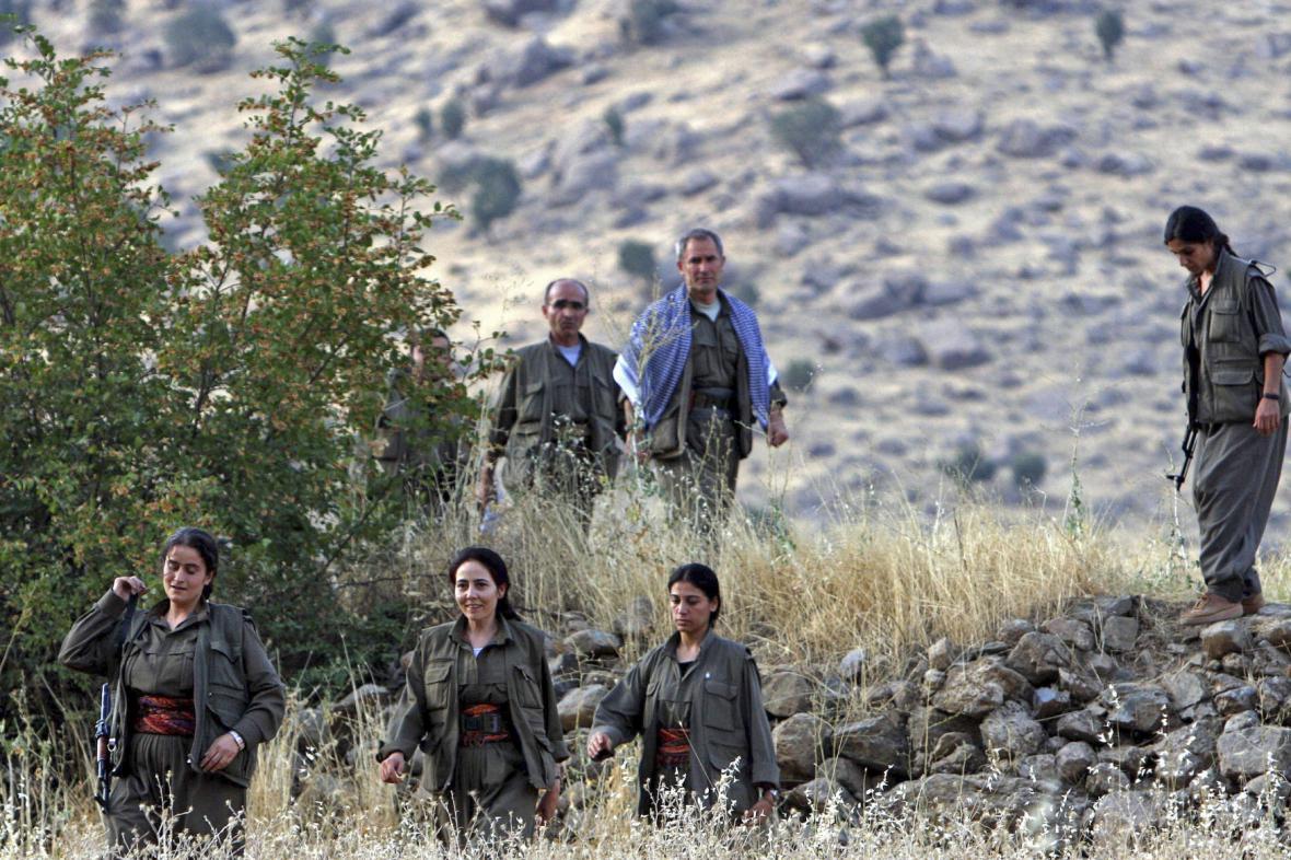Členové milicí PKK