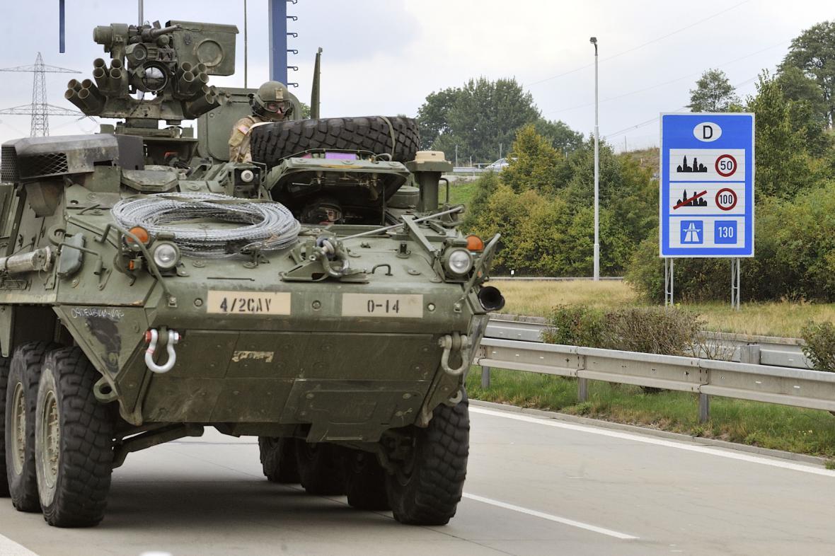 Americký konvoj na české hranici