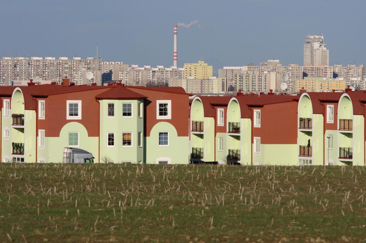 Jesenice, v pozadí Praha - snímek z roku 2007