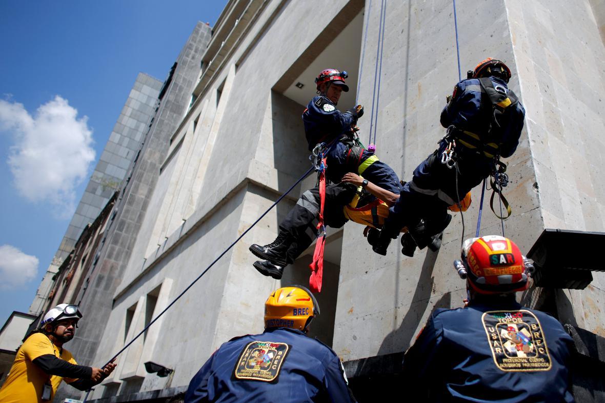 Cvičení reakce na zemětřesení v Mexico City